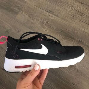 Barely Worn Nike Thea Size 5